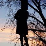 The Black Watch War Memorial on The Mound as the sun set this evening #Edinburgh https://t.co/kzb5nOmh7v