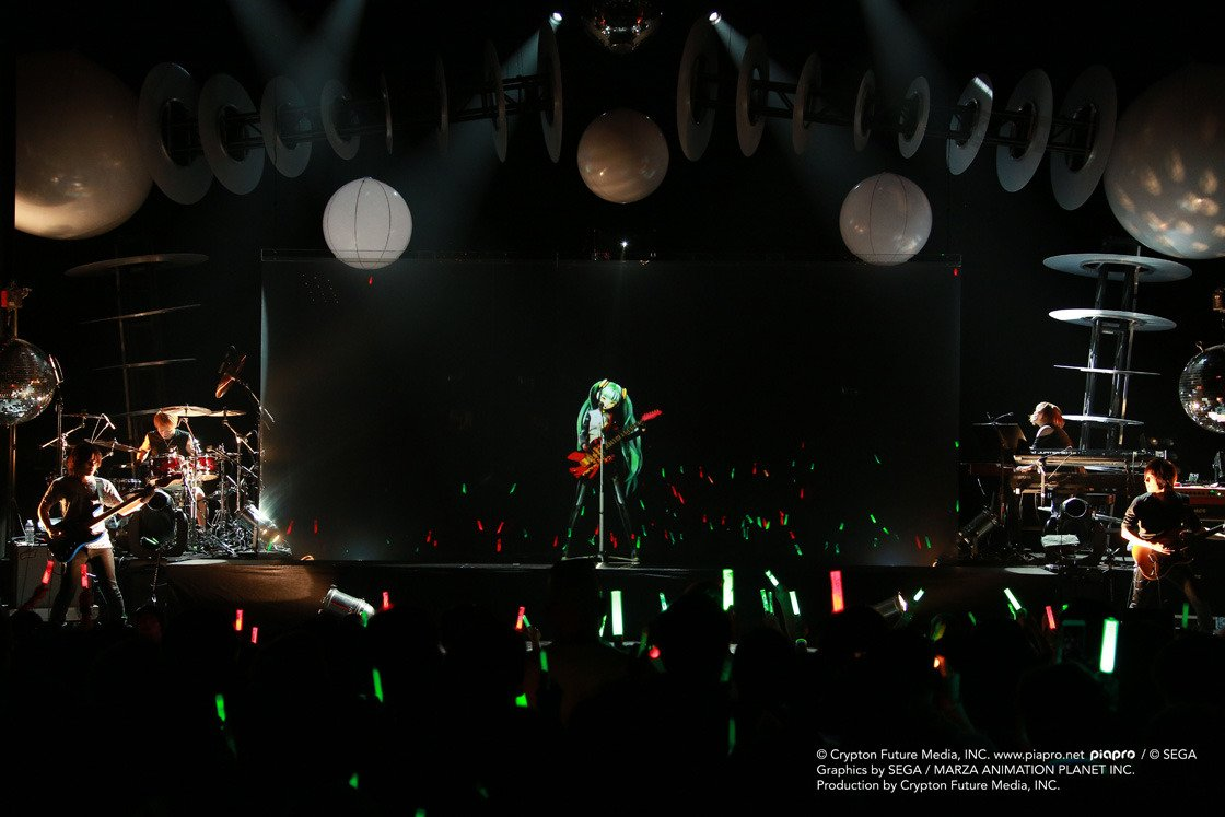 Review + Photos: Hatsune Miku and a glowstick in hand at the Warfield https://t.co/2LVOeadI1p @officialmiku https://t.co/qW3zKUGtCm