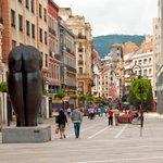 """""""#Oviedo es una ciudad deliciosa,exótica,bella,limpia,agradable,tranquila y peatonalizada."""" Woody Allen #asturias https://t.co/IOAHiTmRMu"""