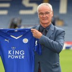 Who would have predicted what was about to unfold when this photo was taken? Well done Claudio Ranieri! ???????????? #lcfc https://t.co/wbXx23opcQ