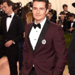 Orlando Bloom wearing a Tamagotchi as his boutonnière for the Fashion in the Age of Technology #MetGala. Im dying https://t.co/IgyK1lEEBJ