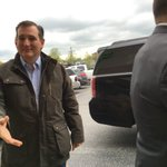 Ted Cruz right out of the motorcade. @theheraldtimes https://t.co/ShXx62yP2f