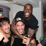 ????写真でチェック???? 優勝の瞬間はエースのヴァーディ宅で迎えたレスターの選手たちは歓喜の渦に! 岡崎、ウジョア、シュラップはこの笑顔???? https://t.co/CefDt7hshp https://t.co/xHciAMsz8F