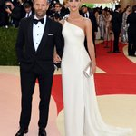 Our first #MetGala couple of the night is Jason Statham & @RosieHW - see more looks https://t.co/iYFovdr4Ab https://t.co/aUpNq6apEV