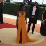 Aja Naomi King looks incredible — this color is sumptuous #MetGala https://t.co/WjZG4CwEg6