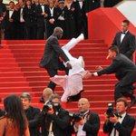 LMAO wizkhalifa just fell at the #MetGala https://t.co/Bdr9mlrI9s