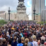 Surprisingly, these panos only capture (maybe) 2/3 of crowd at @BernieSanders rally in Downtown Indy #IndianaPrimary https://t.co/8vbwe09ioC