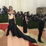 Emma Watson re-defines the pants suit on the #MetGala red carpet. #ManusxMachina #EmmaWatson https://t.co/sGhNgw2iLP