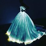 Claire Danes wore an insanely incredible light up ball gown to the #MetGala https://t.co/9oba0gFipM https://t.co/UJ6tgBvOSI