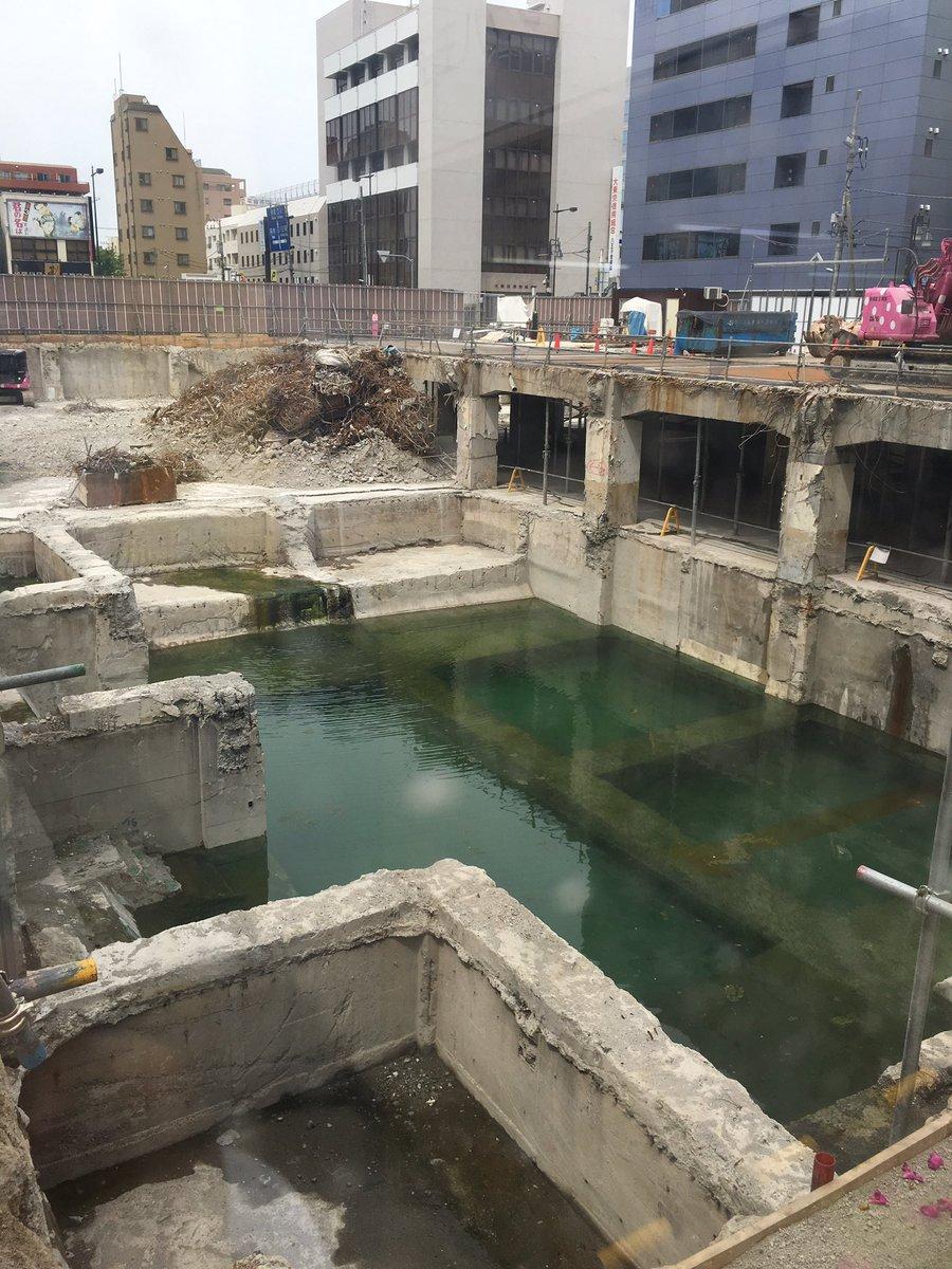 八王子ダイエー解体現場がパルテノン化して幻想的に!地下水ジャブジャブでブラックバスとか居そう(^_^) https://t.co/kC9ndauYEj