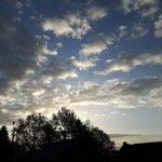 Goedemorgen. Droog met zon en wolken. MaxT rond 15°C. W- tot NW-wind 3/4 Bft Tot na het weekend prachtig lenteweer. https://t.co/PvzLLqBuGF