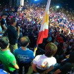Duterte gets rockstar crowds everywhere he campaigns For many people, its Duterte or nothing #Duterte #DU30 https://t.co/hgRkOfMNHW