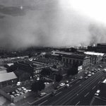 #ThrowbackThursday Dust storm hits #Melbourne in February, 1983. #tbt #storm @theage https://t.co/rgPrpbKVtL