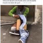 #LaFouilleDeLaHonte  Des policiers font débarrasser un homme de ses prothèses et le laissent à terre #LesMauxDuDeni https://t.co/OdMuQO50F9