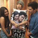 Ang cute ng picture na to!!! ???????? #ShowtimeThisTime https://t.co/WwZLRxJL21