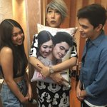 This is so cute! Thankyou so much @vicegandako for supporting JaDine and THIS TIME. -P #ThisTimePremiereNight https://t.co/pOuTwVrFGq