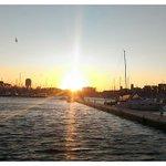 Un avant-goût du coucher de soleil que vous pourriez voir ce soir à #Marseille. #JourneeDuSoleil #CelebrateTheSun ???????? https://t.co/aOTmmBoMQX