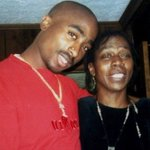 #RIP: 2Pac's Mother & Activist Afeni Shakur Reported Dead At 69 https://t.co/NMuA3v3LZC https://t.co/OD6ZiTiZcQ