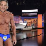 .@GaryLineker to present #MOTD in his underwear after title triumph #LCFCChampions https://t.co/wV3vmzgr31 https://t.co/EHdK2cppOL