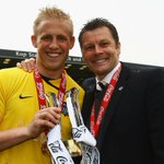 Six years ago he won League Two with #notts. Now hes won the Premier League with Leicester. Congratulations Kasper! https://t.co/wqCiUDi4g4