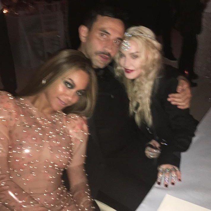 3 Queens! ????????????. Met Ball 2016! https://t.co/QP3Z9FOx80