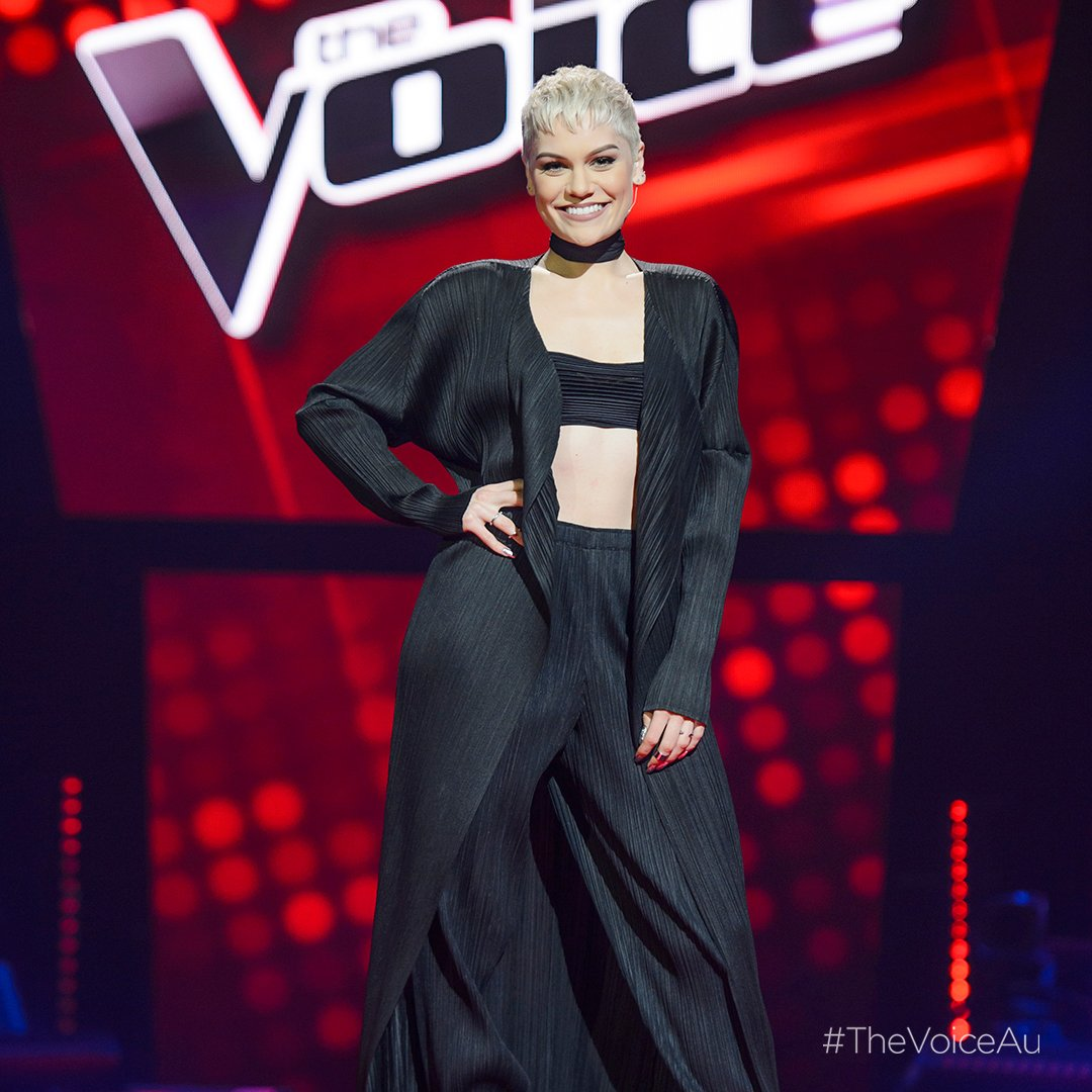 So far on #TeamJessieJ it's @jackp4ck, @IsThatClaireH & @missbriannaholm. ✌ #TheVoiceAu https://t.co/hwbxOy0Eta