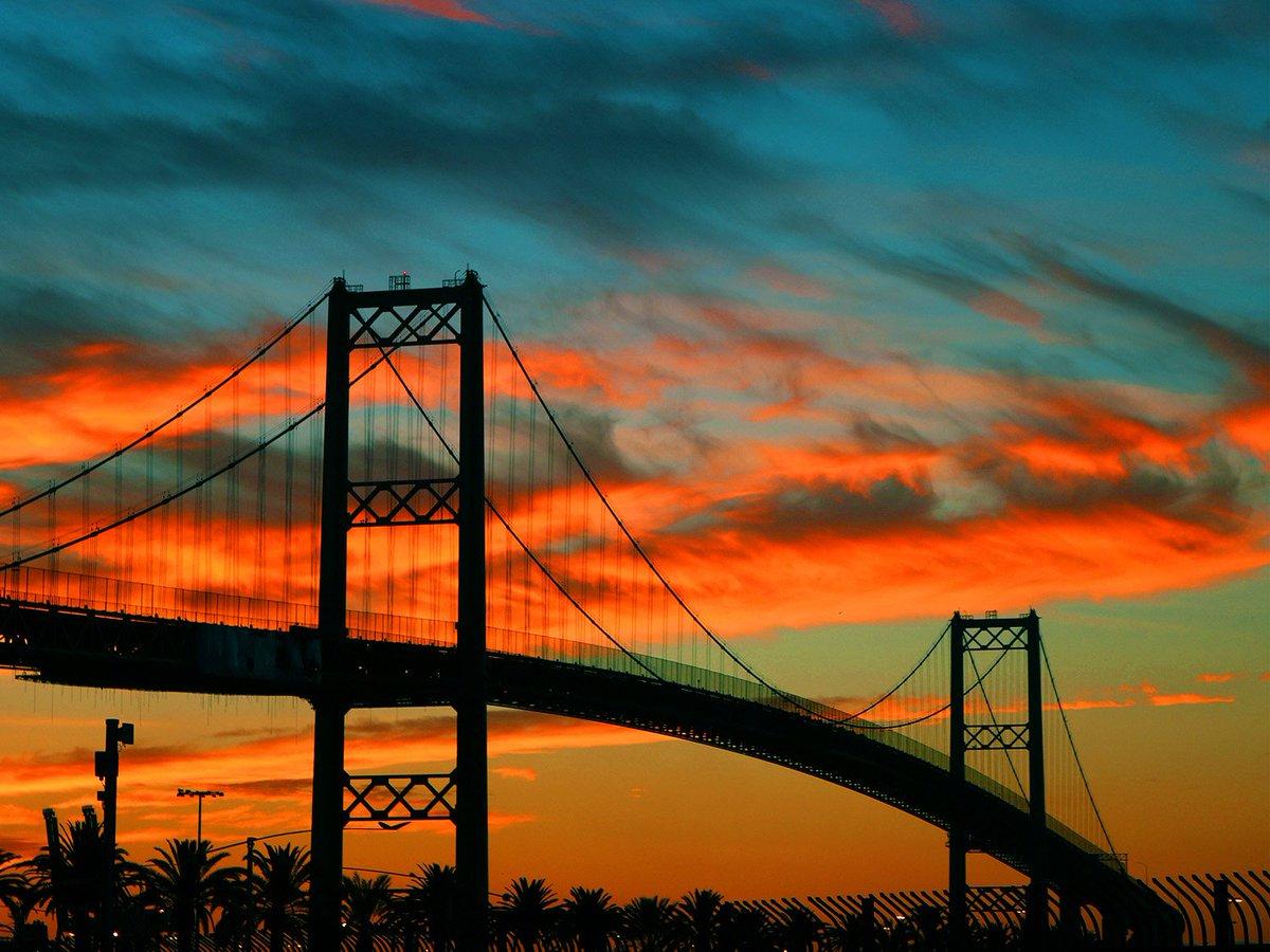Vincent Thomas Bridge at sunset. May 2016 #PortofLA calendar #photo by employee Marco Sanchez, Engineering Division. https://t.co/SCSACOcIHB