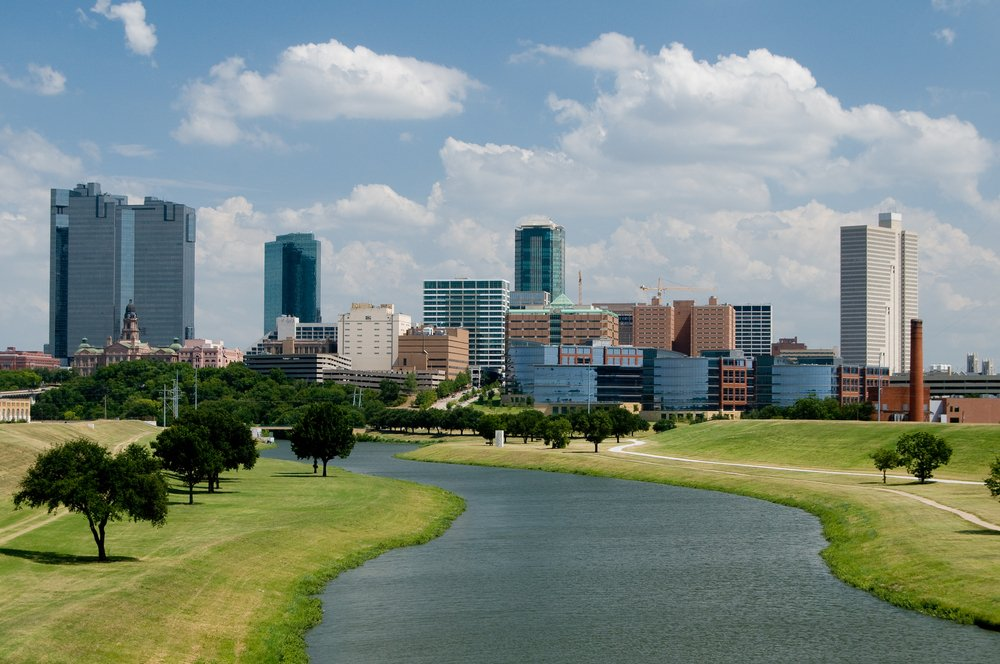 Getting to know Dallas is easy w/ 5 nonstop flights daily from @AmericanAir & @SouthwestAir