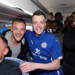 The Jamie Vardy lookalike has been invited onto the team bus to join the Leicester players. Quality! https://t.co/BVSYsPI8zN