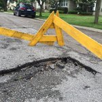 Looks like @CanalStSinkhole has friends. Baby sinkhole starting to form in Lakeview on Louis XIV Street. #NewOrleans https://t.co/Gs2pbh4vwo