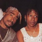 Tupac Shakurs mother, Afeni Shakur has died at age 69. RIP Ms.Afeni Shakur! ???????? https://t.co/ZGN0h1orfT
