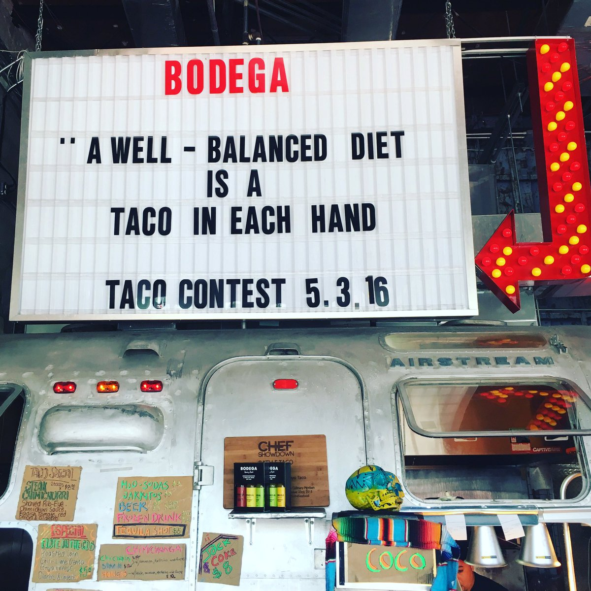 Achieving balance with @szeliu at Bodega South Beach! #TacoTuesday #Miami https://t.co/mMY67PtwZE