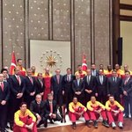 Basketbol takımımız, Cumhurbaşkanı R. Tayyip Erdoğanı ziyaret etti. https://t.co/fAXRzXTVAv