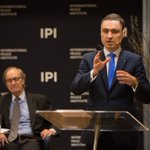 @TaaviRoivas in @ipinst: more people live in Manhattan yet EE have built up possibly the most advanced dig society https://t.co/VA4Q4w98dj