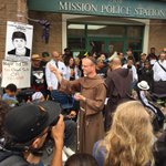 Franciscan friars give a prayer and blessing for the #Frisco5. https://t.co/ENvkF3HmeC
