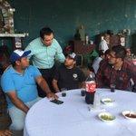 Este #DíaDeLaCruz me eché un taco con el equipo de @ObrasPubXalapa para felicitarlos y agradecer su gran trabajo. https://t.co/VsyEeLIltT