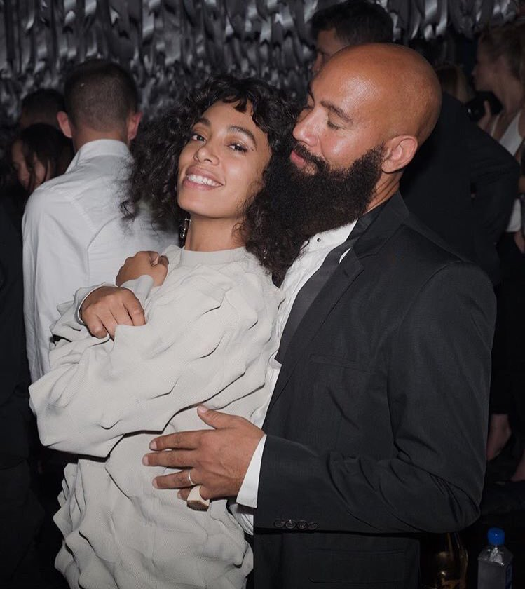 This is real life true life relationship goals. Cc @solangeknowles + The official MVP https://t.co/gxvxTHVw59