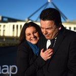 Senator Nick Xenophon gets the love from Senator Jacqui Lambie #auspol https://t.co/yU0syiQfQn