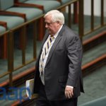 PUP Leader Clive Palmer leaves the chamber after not receiving the call to make an announcement #auspol https://t.co/5Zjwa4CJQi