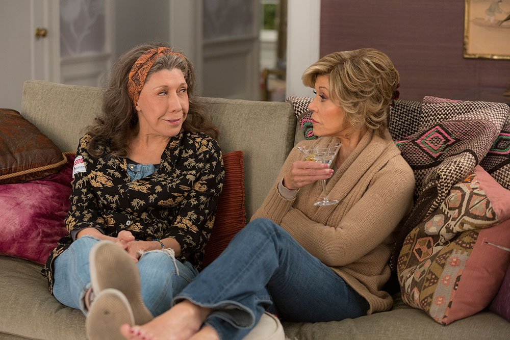 This Friday at 12AM! @GraceAndFrankie Season 2, I'll drink to that! https://t.co/jYm9LkFW6G