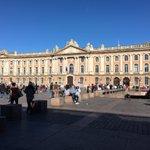 La ville la plus attractive de France c'est @Toulouse ! #Toulouse devant Bordeaux ▶️ https://t.co/2W8Ql5DzP1 https://t.co/WCmhF3Amrl
