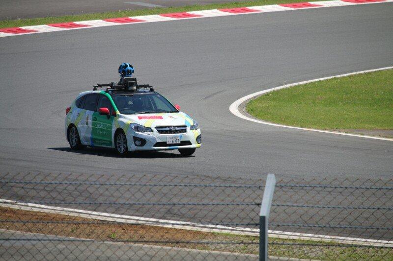 スーパーGT第2戦・富士の決勝前に、Googleカーがコース上を走行しました。ストリートビューの更新が楽しみです(笑) https://t.co/WFvSvloK0j