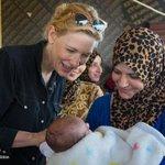 """""""Es war noch nie wichtiger, an der Seite der Flüchtlinge zu stehen."""" Cate Blanchett, UNHCR-Sonderbotschafterin https://t.co/ud2g5Q0bxz"""