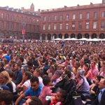 Fête de la musique place du Capitole : les 16.000 places ont été distribuées annonce la mairie @Toulouse #FDLM2016 https://t.co/A62rRCaqXR