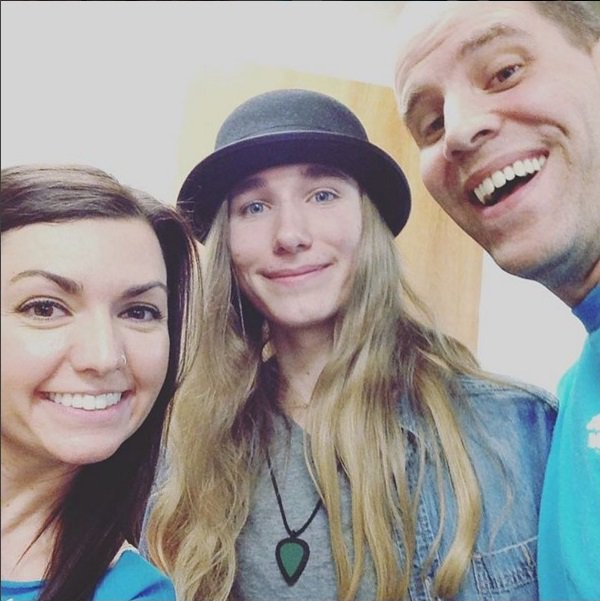 Our hometown boy @SawyerFrdrx performed last night on @NBCTheVoice, & was flawless as usual: https://t.co/2XUvTFbnRZ https://t.co/QdPrzxDQWw
