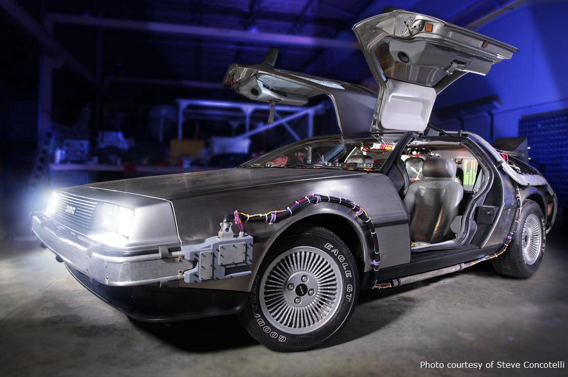 """The """"Back to the Future"""" DeLorean, on permanent loan from @UniStudios, has arrived @Petersen_Museum! - #AAAEditor LR https://t.co/cIR4HmBpQ0"""