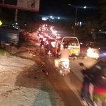 19.30 situasi arus lalin simpang kariangau terpantau ramai dan padat tapi lancar, petugas lakukan pengaturan https://t.co/B3Rdxi0Q9w