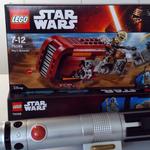 #MayThe4thBeWithYou 🎁 Follow + RT pour tenter de gagner ce LEGO #StarWars Reys Speeder ! https://t.co/aRYPTGcEOB https://t.co/ILnxZRmuDK