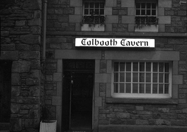 RT @edinburghpaper: Six Edinburgh pubs you didn't know are haunted