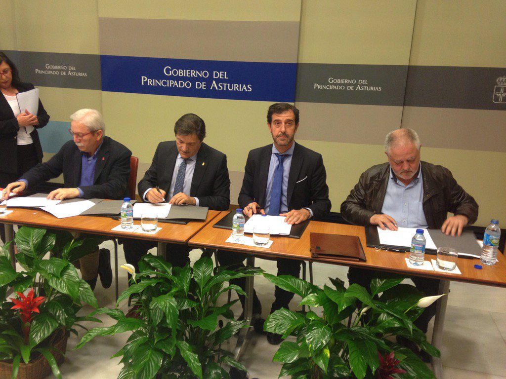 Firma del Acuerdo para la competitividad económica y la sostenibilidad social https://t.co/lMBmKkf1XL